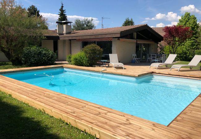 Villa/Dettached house in Saint-Jorioz - Villa PLAIN PIED piscine