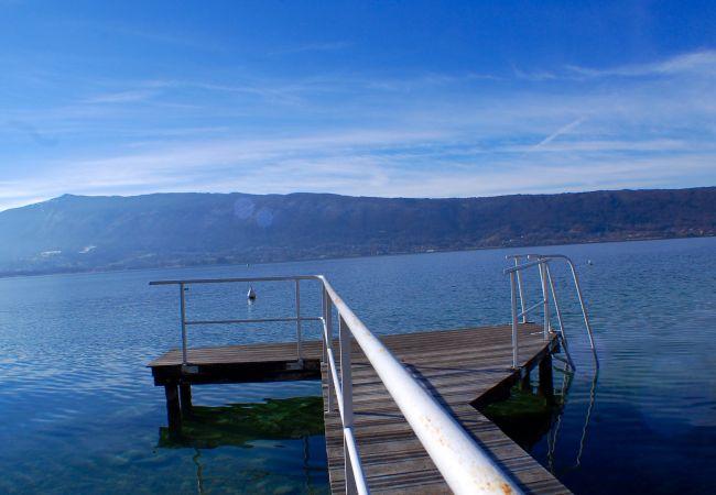 à Veyrier-du-Lac - VEYRIER - Maison avec accès direct au lac & Ponton