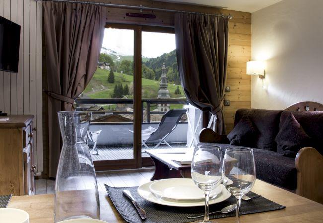 à La Clusaz - CLZ- appartement 4* centre village avec spa - 6p