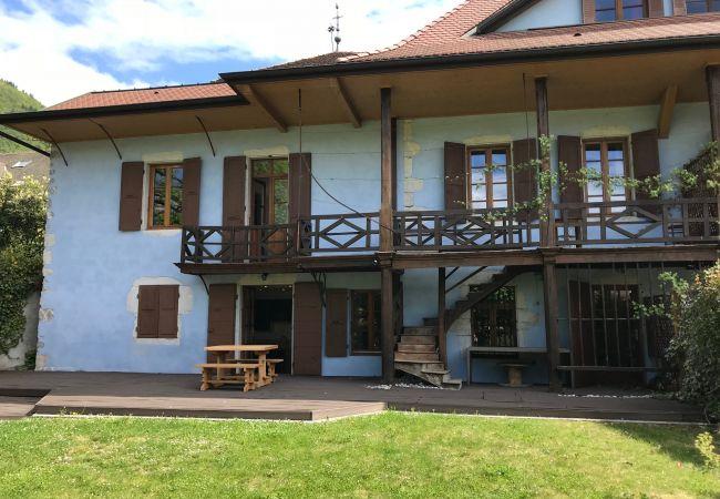 à Menthon-Saint-Bernard - VCDA R